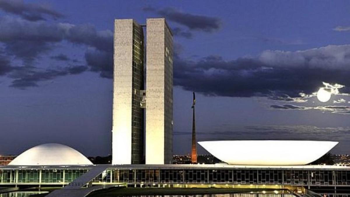 Câmara aprova primeira etapa do golpe na Previdência Social