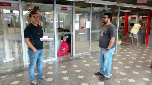 Diretoria do Sindicato retarda abertura de agência Santander em SV