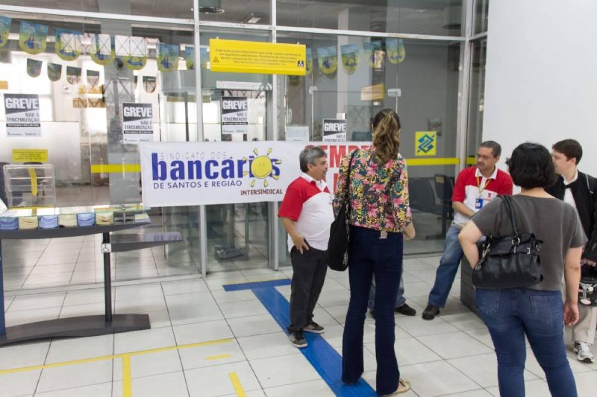Bancários do BB na Baixada elegem delegados sindicais para 2014/2015