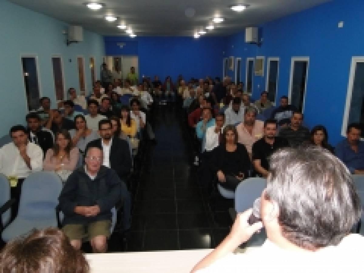 Bancários da Baixada Santista elegem 8 delegados para o CONCLAT