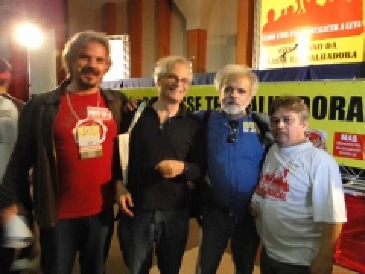 Delegação Internacional saúda os trabalhadores brasileiros
