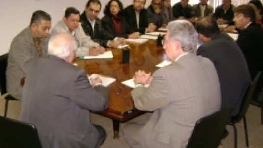 Financiários: Sindicato entrega pauta à Fenacrefi
