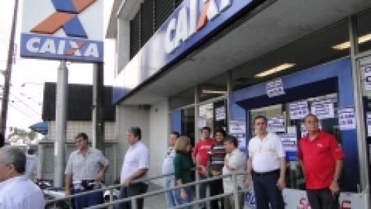 CAIXA: Bancários de Santos e Região paralisam agência de São Vicente