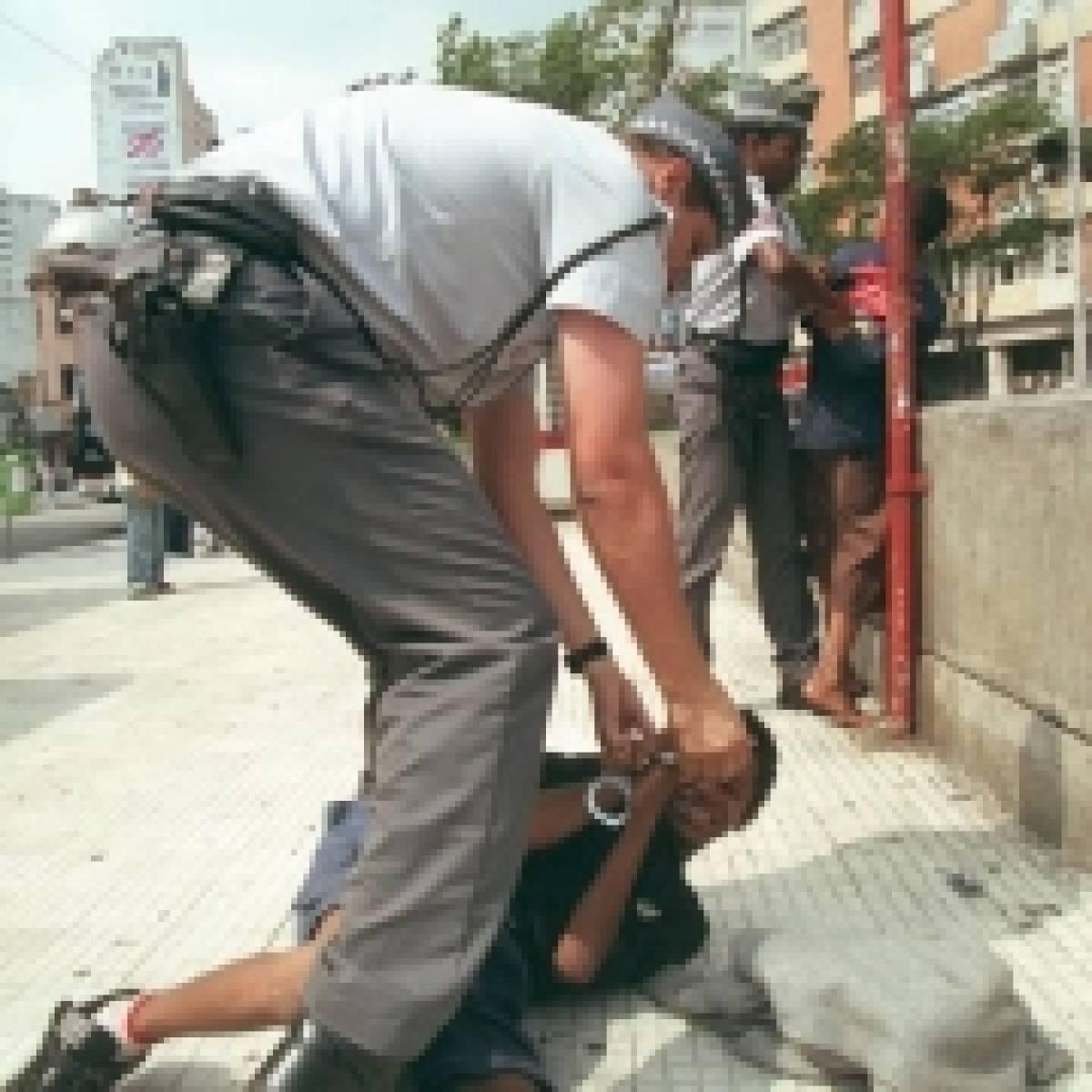 Dossiê relata torturas de jovens pela PM em São Paulo