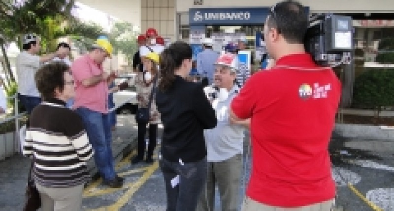 Unibanco: Bancários de Santos paralisam Ag. Conselheiro Nébias por falta de condições de trabalho
