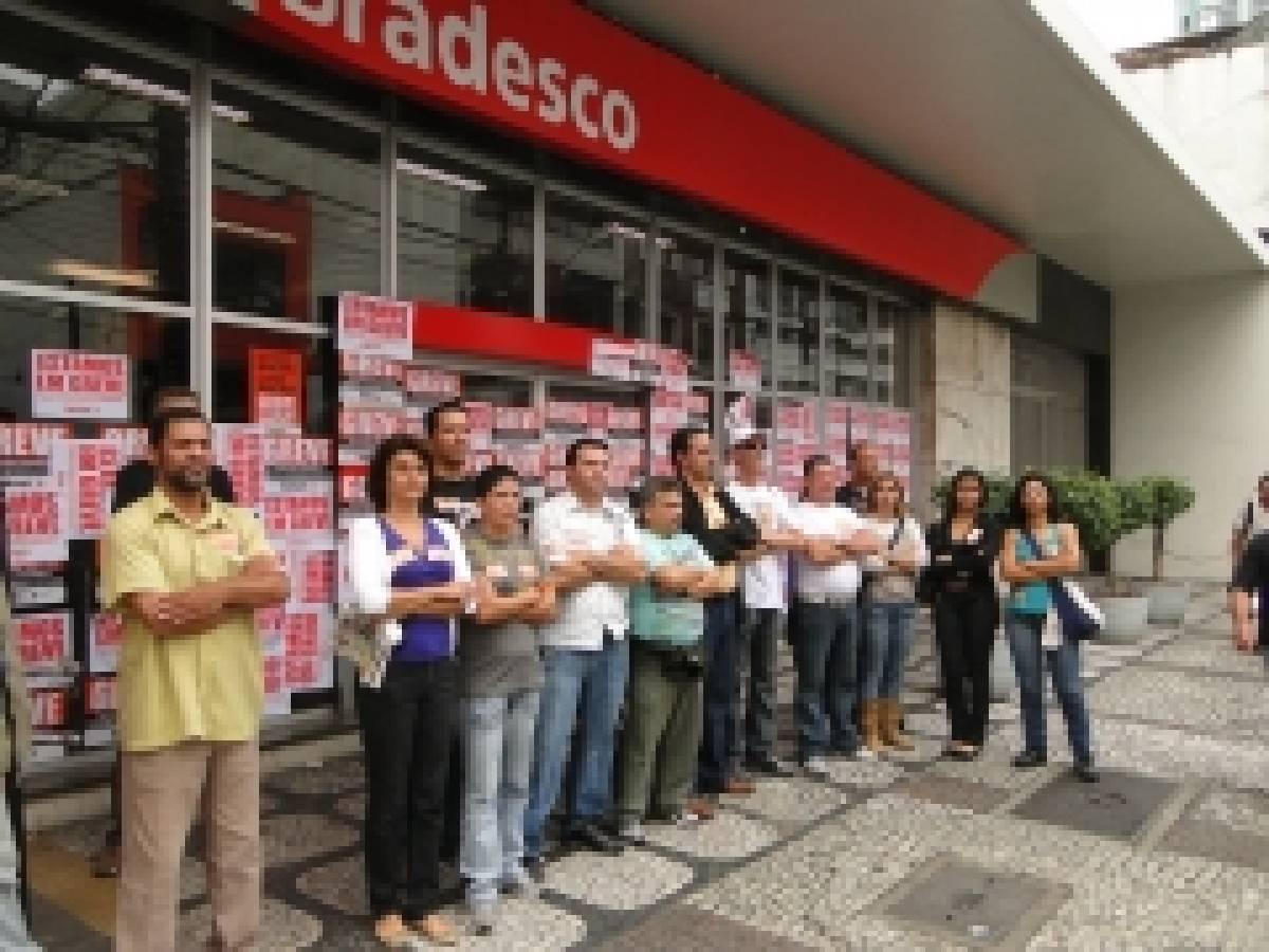 Agências do Bradesco também são fechadas na Baixada Santista