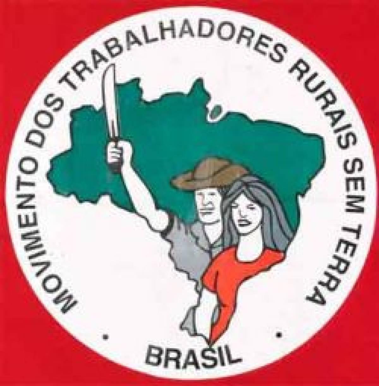 Mulheres do MST ocupam área da Veracel na Bahia