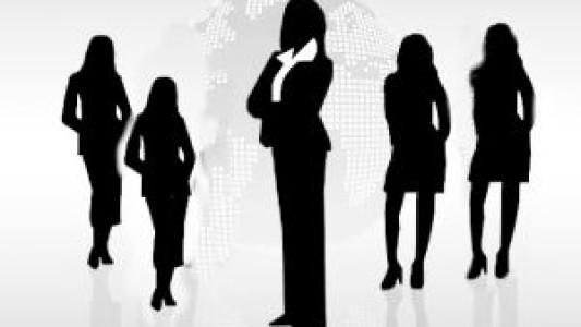 Mulheres ocupam cada vez mais o mercado de trabalho, mas persiste a desvalorização do trabalho feminino