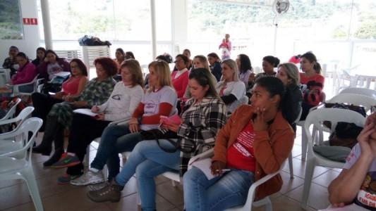 Mulheres debatem trabalho e sindicalismo no Brasil