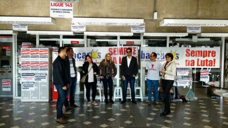 Santander: Assinalar o ponto garante direitos trabalhistas