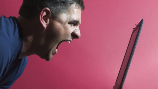 Estudo revela intolerância e preconceito dos brasileiros nas redes sociais