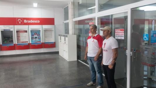 Bradesco lucra R$ 12 bi e corta 4,7 mil empregos