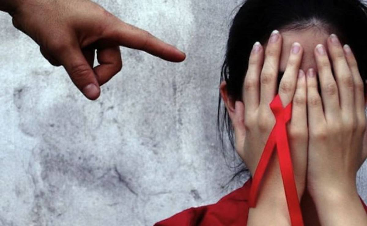Itaú condenado a reintegrar bancário demitido com HIV