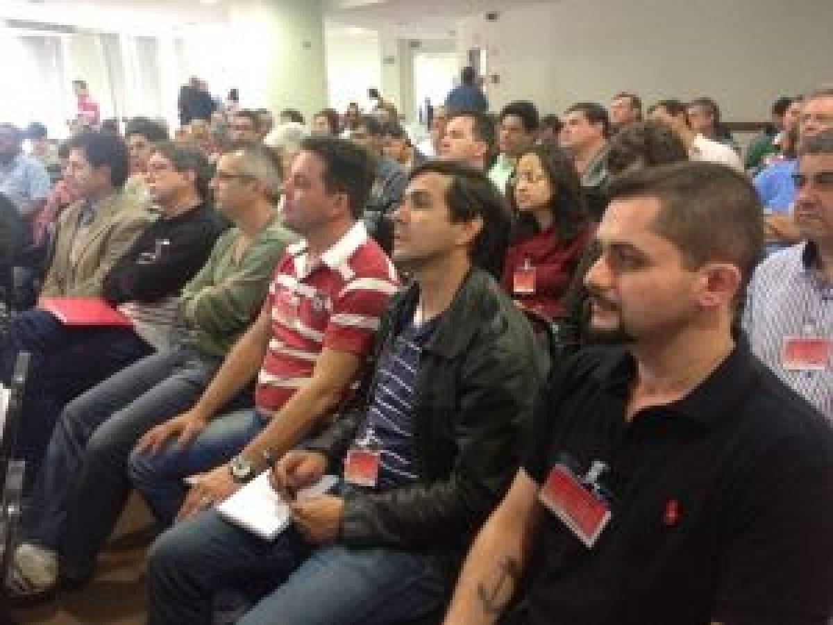 Bancários de Santos participam do Encontro Nacional dos Funcionários do Santander