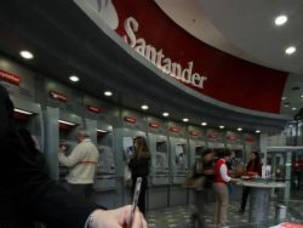 TRT condena Santander por obrigar bancária a vender 10 dias das férias
