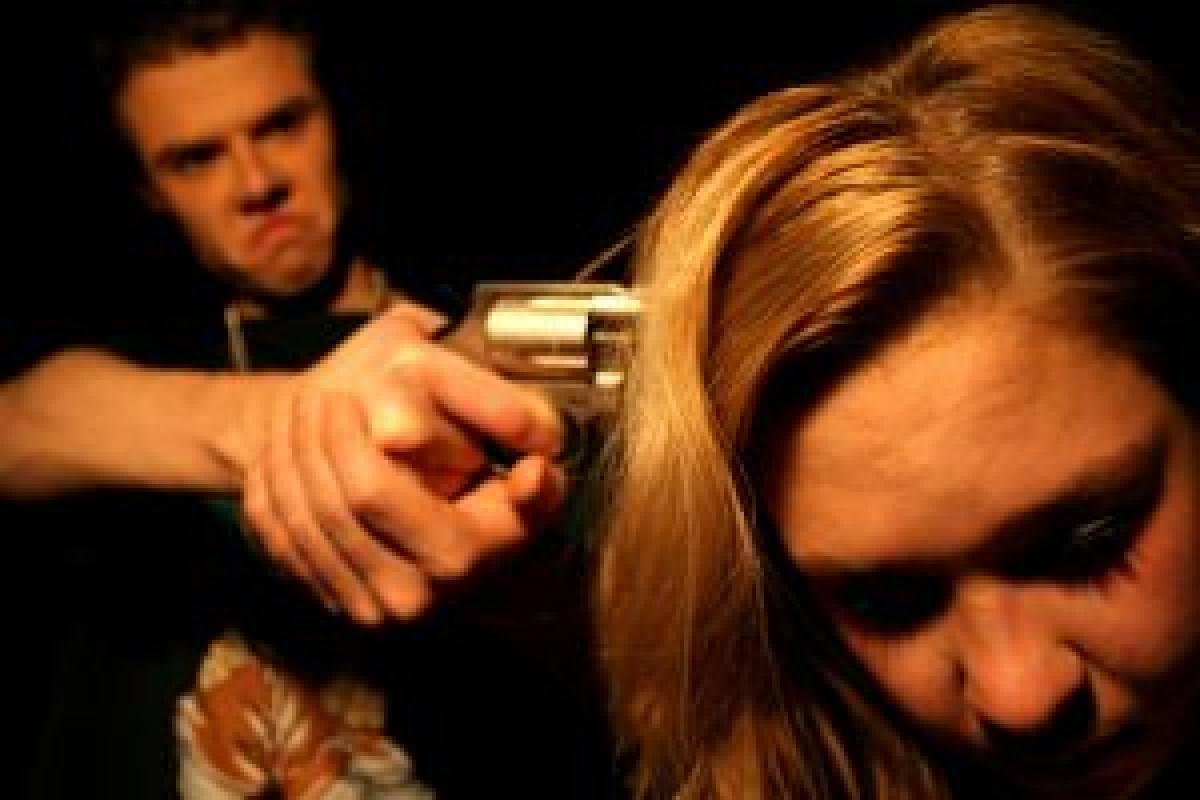 Uma mulher é assasinada a cada 1h57 no Brasil, aponta levantamento