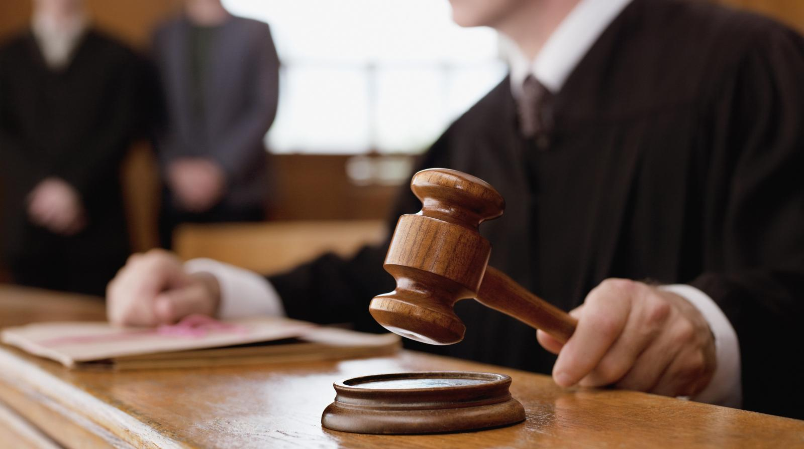 Bancário do Santander é demitido ilegalmente e justiça determina reintegração