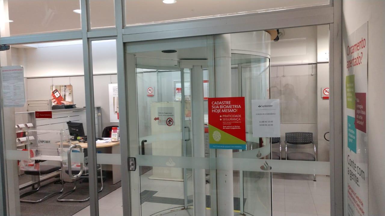 Santander é notificado por falta de segurança em PAB de Cubatão