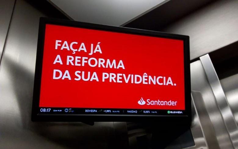 Santander escancara defesa do fim da aposentadoria