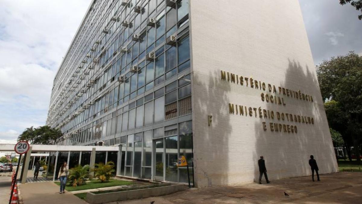 Extinção do Ministério do Trabalho contraria Constituição, diz AGU