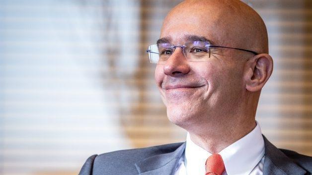 Presidente do Santander se aposenta pelo INSS aos 58 anos