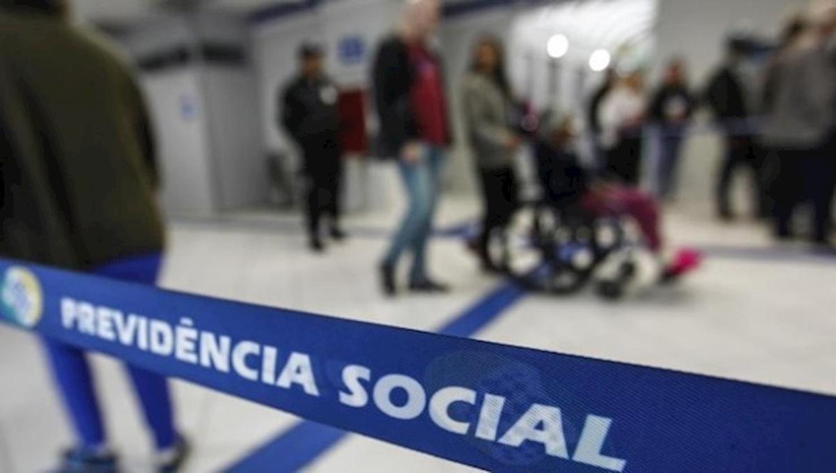 Pretendem desconstitucionalizar as regras da Previdência Social