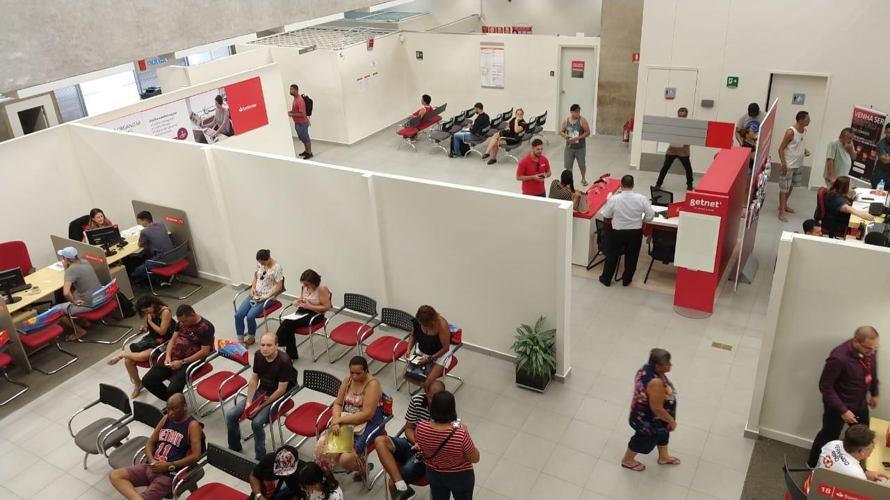 Santander pretende colocar em risco a vida de bancários e clientes