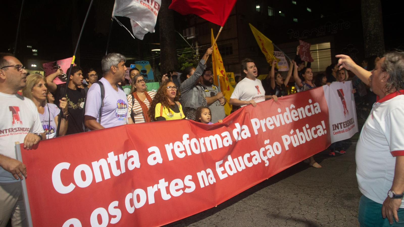 30M Baixada Santista: pela educação e previdência públicas!