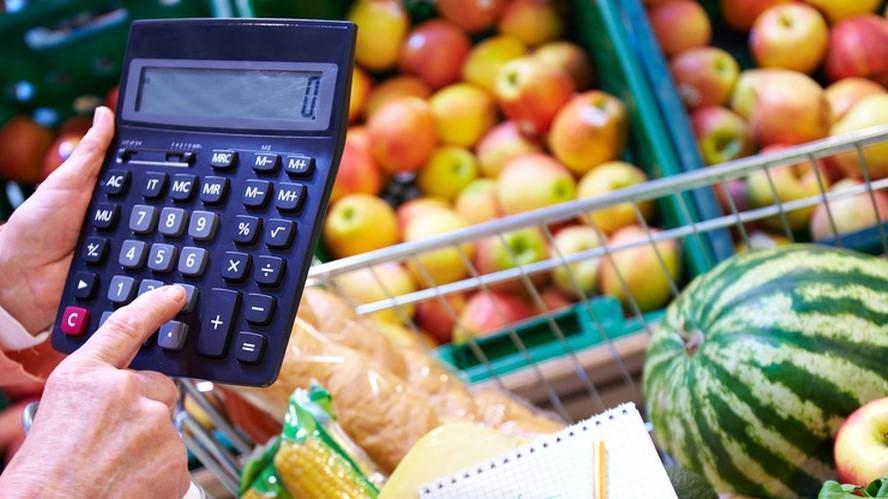 Custo da cesta básica aumenta, mas o salário não