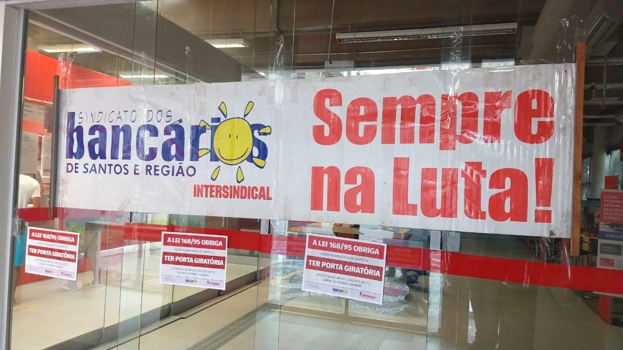 Santander assedia com requintes de perversidade
