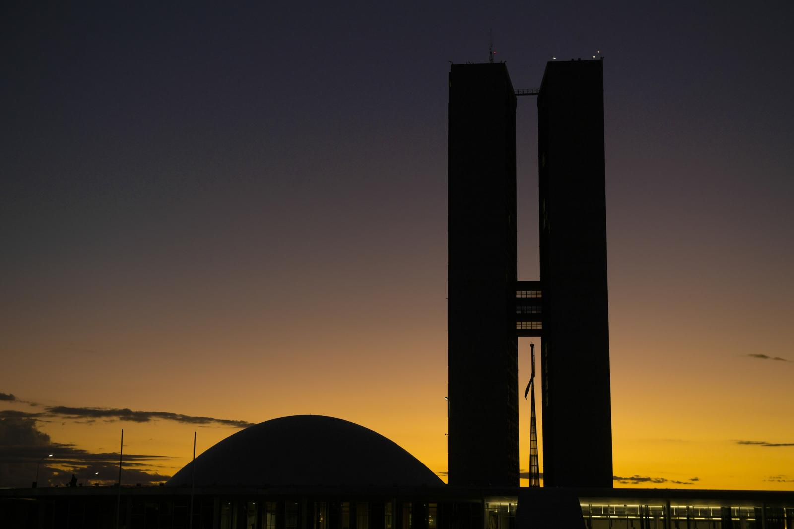 CCJ aprova relatório e reforma da Previdência será votada no Senado
