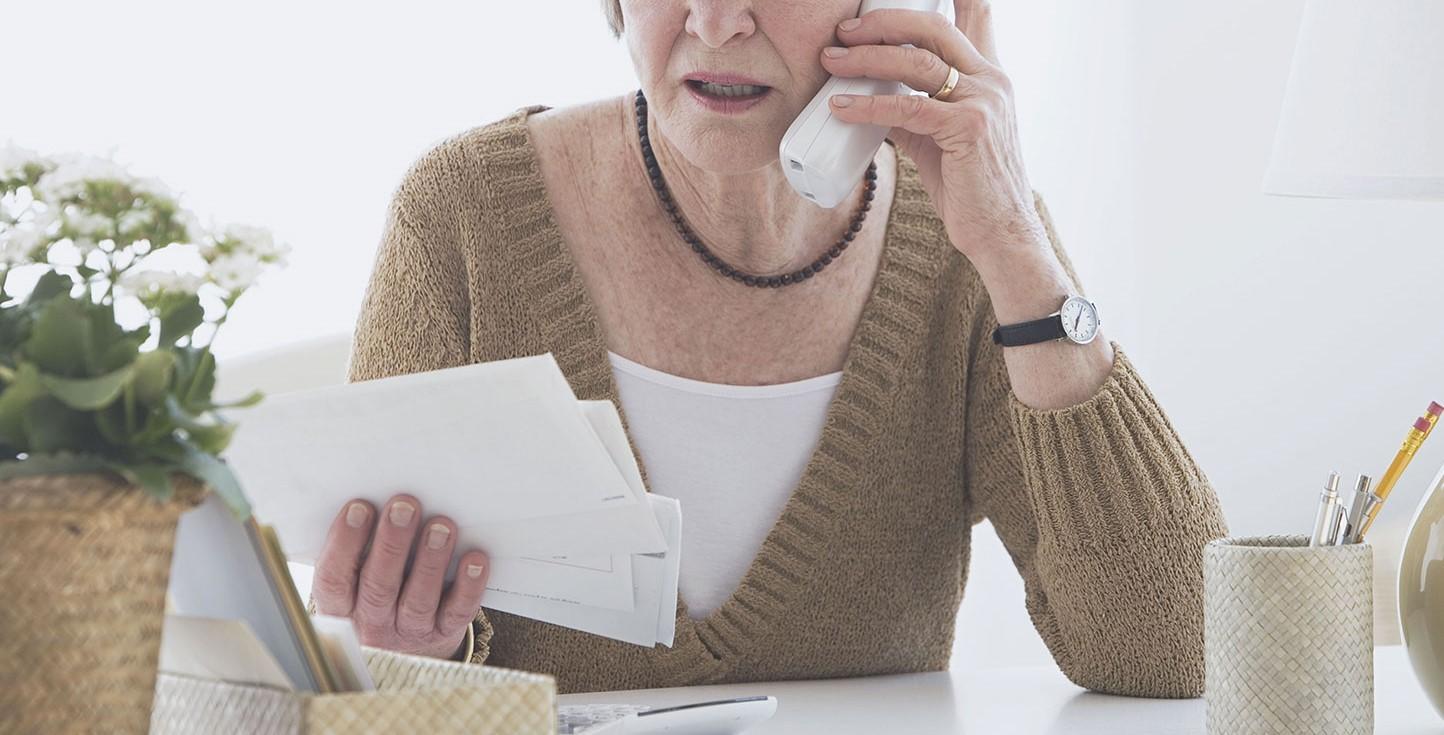 Banco indenizará idosa por excesso de ligações de cobrança