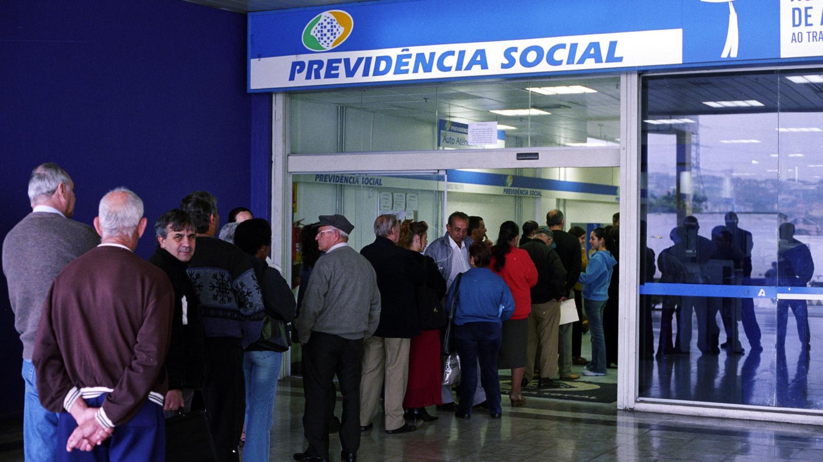 Acordo com Previ acaba e INSS ameaça leiloar folha de aposentados