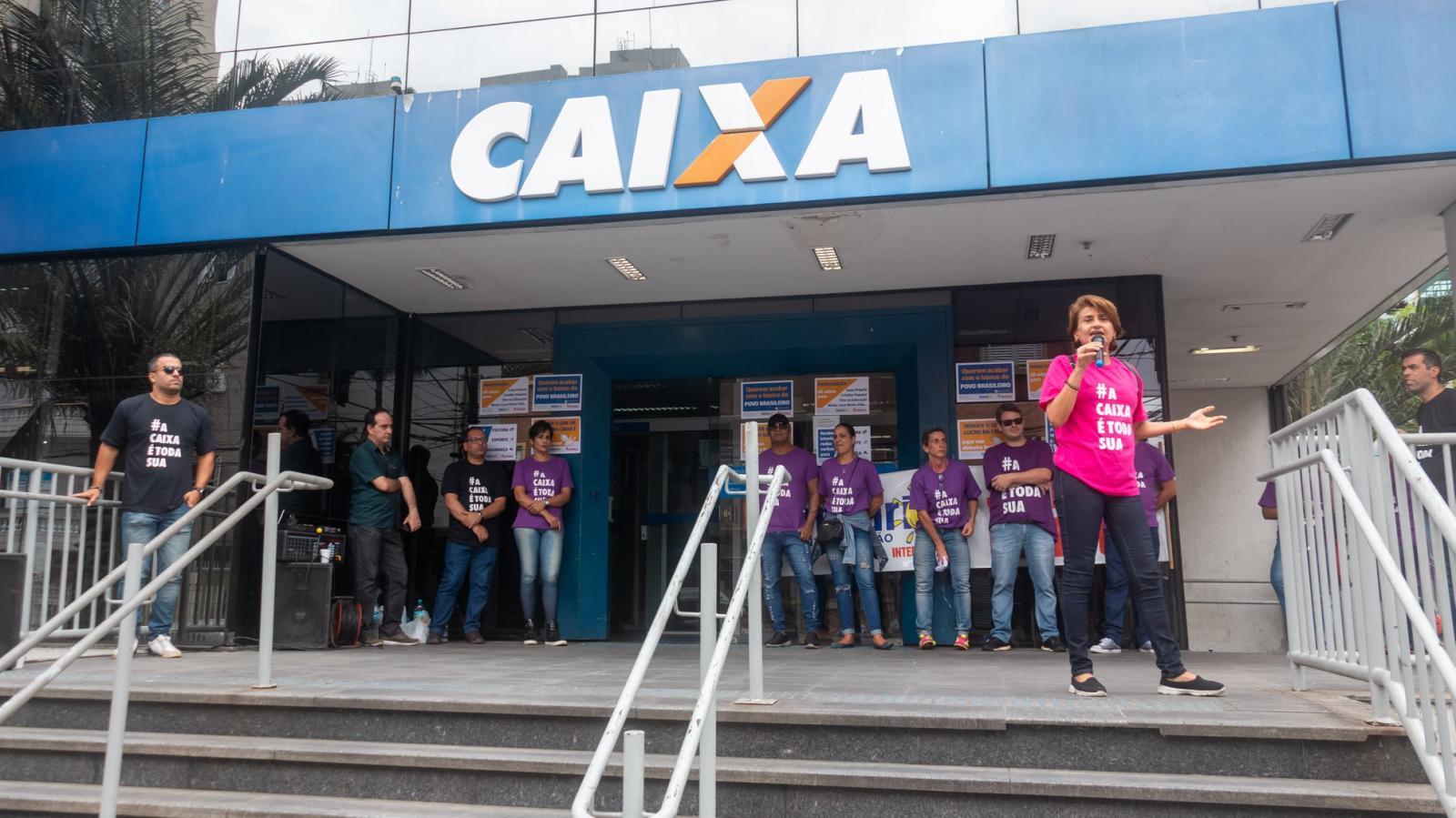 Movimento sindical cobra negociação sobre reestruturação da Caixa