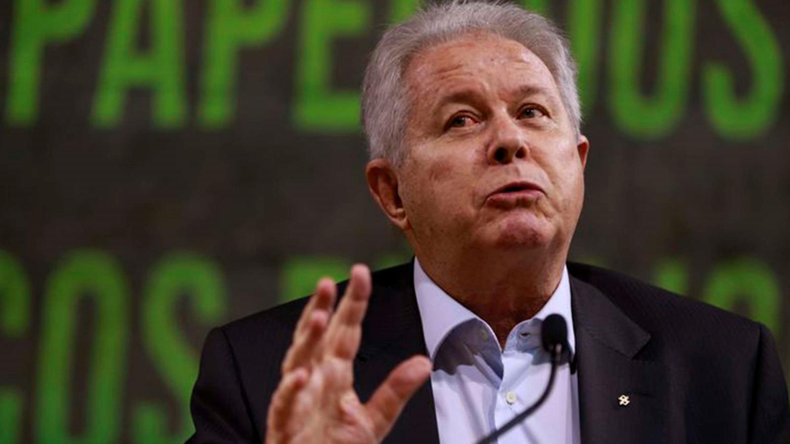Presidente do BB faz declaração estapafúrdia sobre o PIB