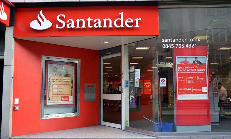 Santander é condenado a reintegrar bancário demitido por causa da idade